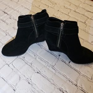 💥Johnston & Murphy Suede Wedge Booties 💥
